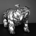 Des sculptures d'animaux avec des couverts