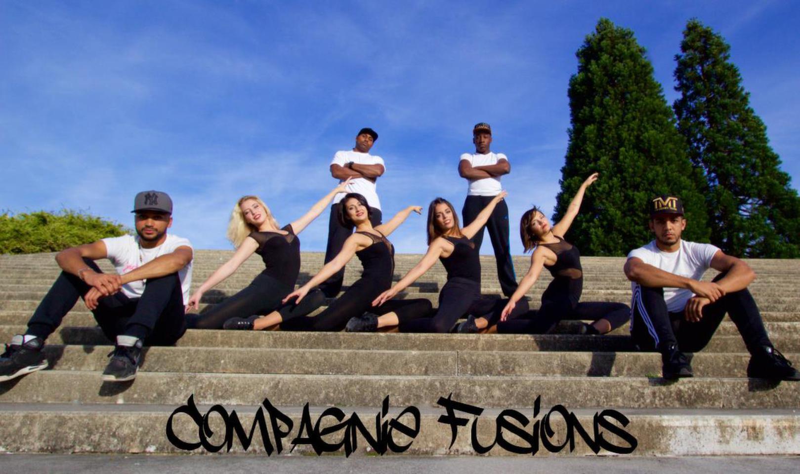Lancement officiel de la Compagnie Fusions. Ce regroupement de Bboy et de danseuses Moderne à pour objectifs de fusionner leurs 2 styles de danses au sein d'une même chorégraphie. Facebook : Compagnie Fusions !