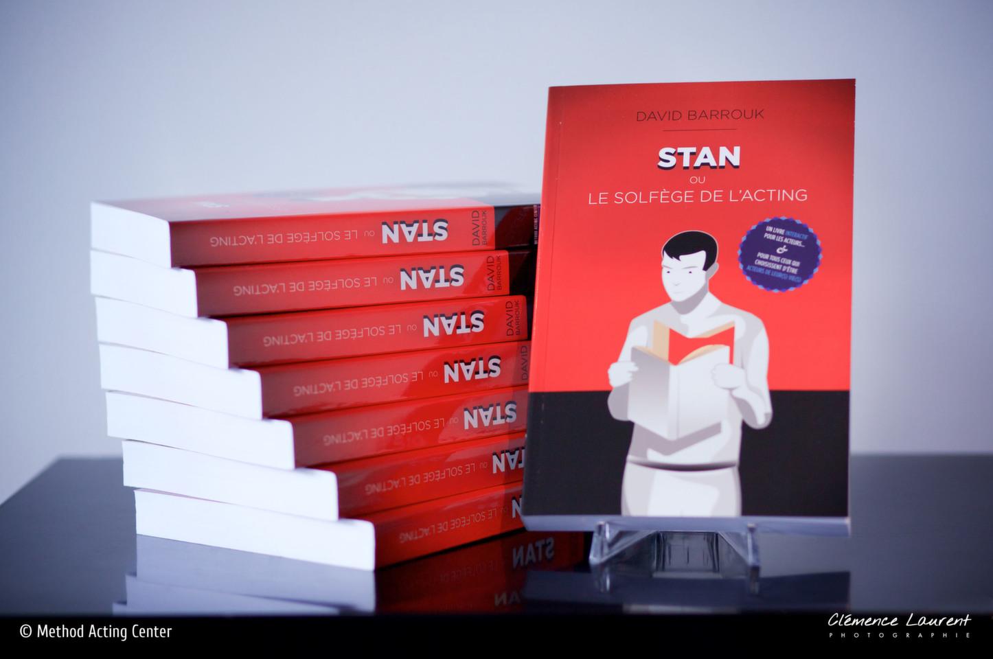 Masterclass «Stan ou le Solfège de l'Acting»<br />avec David Barrouk<br /><br />Samedi 27 Juillet, de 15h à 20h<br />+ Dimanche 11 Août, de 15h à 20h<br />pendant les Classes de l'été<br /><br />Stan ou le Solfège de l'Acting, le livre sur la méthode Actors Studio qui reprend, enrichit et rend hommage au travail de Stanislavski. 416 pages, broché, des dizaines d'exercices sur la méthode, son historique, ses outils, son travail minutieux et fascinant sur les mécanismes de l'émotion.<br /> <br />Explorez notre manuel de la méthode Actors Studio d'une façon originale et innovante à travers des exercices du livre et des débats autour de la méthode, du travail et du rôle de l'Acteur au Cinéma. Avec David Barrouk, auteur du livre, fondateur de Method Acting Center, Coach d'acteurs, Scénariste, Réalisateur & Producteur.<br />Si vous optez pour cette masterclass, le livre Stan ou le Solfège de l'Acting est inclus dans le prix du module. (Prix public du livre : 25€)<br /><br />Avant la masterclass, découvrez également les classes de l'été avec : <br />ACTORS STUDIO Initiation, Scènes A, Scènes B, Face Caméra<br />ACTING in ENGLISH Travail de scènes, Cours d'Anglais<br />SCÉNARIO & RÉALISATION<br />IMPROVISATION<br />YOGA<br />CHANT / DANSE / COMÉDIE MUSICALE<br />ACTING pour ADOS / CHANT pour ADOS<br /><br />TARIFS<br />De 1 à 3 modules : 30€ par module // De 4 à 9 modules : 25€ par module // De 10 modules à + : 290€ pour le PASS Classes de l'été (accès à tous les modules, dans la limite des places disponibles*)<br /><br />INFOS, PLANNING & RÉSERVATION<br />https://www.methodacting.fr/classes-de-lete/<br />06 07 41 41 25 / contact@methodacting.fr