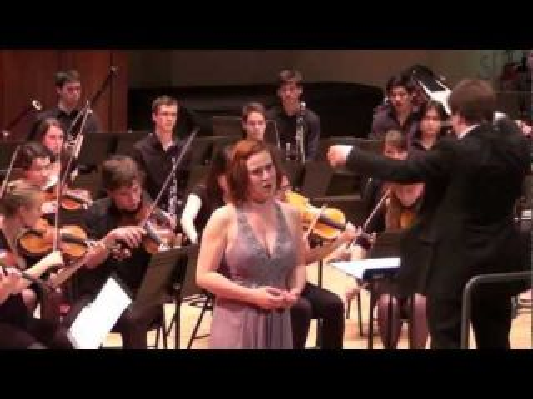 Céline Madrènes chante l'air du poison dans Roméo et Juliette de Charles Gounod.