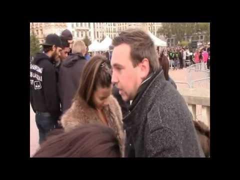 Street hypnose / Hypnose de rue : Séance à Lyon en groupe de 3 {partie 1}