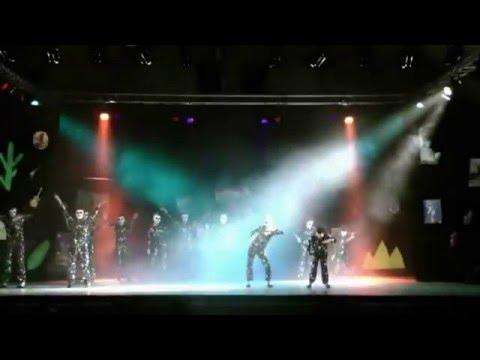 Trois titres célèbres de Michaël Jackson mêlés